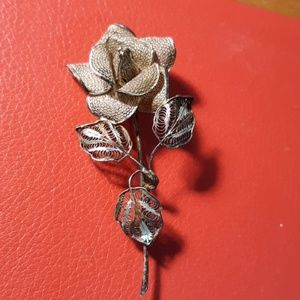 Jewelry - 800 Sterling silver flower broach